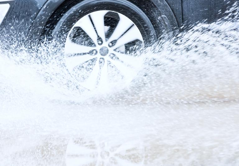 ABS, ASR, EBD, ESP: i dispositivi che rendono sicura la frenata dell'auto!