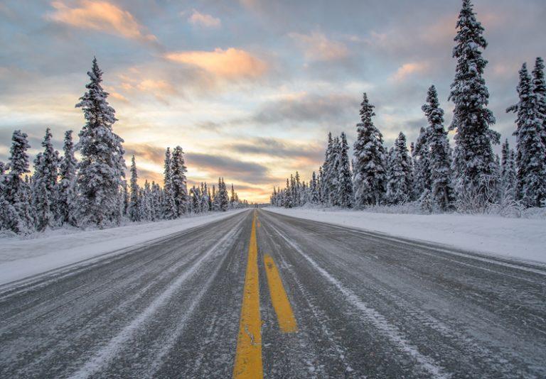Asfalto elettrico che scioglie giaccio e neve: i primi test negli Stati Uniti