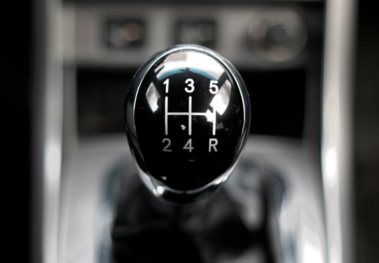 Cambio auto: meglio manuale o automatico? Pro e contro a confronto…