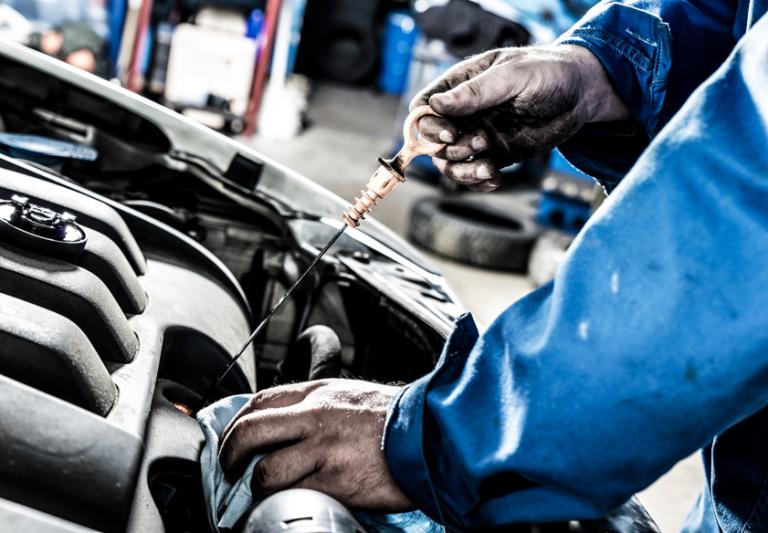 Olio del motore: come sostituirlo da soli